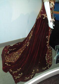 Snow White coronation gown train
