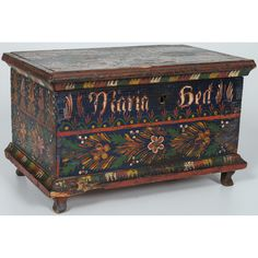 Buy online, view images and see past prices for Miniature Painted Blanket Chest, Possibly Mennonite. Invaluable is the world's largest marketplace for art, antiques, and collectibles. Antique Furniture, Painted Furniture, Bohemian House, Blanket Chest, Painted Boxes, Art Decor, Decorative Boxes, Auction, Miniatures