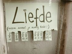 Liefde, neem zoveel je nodig hebt. afscheurstrookjes Cool Words, Wise Words, Ace Of Pentacles, I Love My Daughter, Save The Children, Beautiful Lines, More Than Words, Happy Smile, Love Is All