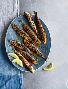 Grilled Portuguese Sardines Recipe Check out these sweet and peppery crispy sardines, ready in 20 minutes. These are great on a griddle, but will also work on the BBQ when the weather warms up. Serve with a big green salad and lots of crusty bread Best Fish Recipes, Barbecue Recipes, Grilling Recipes, Seafood Recipes, Cooking Recipes, Vegetarian Grilling, Healthy Grilling, Barbecue Sauce, Vegetarian Food