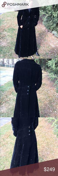 Vintage B Altman co coat B Altman co velvet coat slit back button detail fabulous Vintage Jackets & Coats