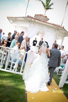 Our Punta Cana Wedding Part 2 The Arrival And Aisle Walk Pic Heavy Beach Gazebo Melia Caribe