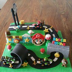Super Mario Torte, Bolo Super Mario, Super Mario Bros, Mario Birthday Cake, Super Mario Birthday, Birthday Fun, Birthday Parties, Mario Kart Cake, Mario Bros Cake