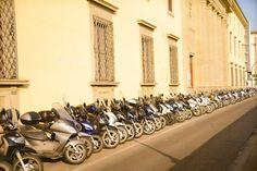Line of Vespas, Florence