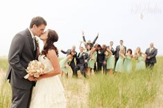 love this Wedding Party shot!