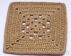 Transcendent Crochet a Solid Granny Square Ideas. Inconceivable Crochet a Solid Granny Square Ideas. Crochet Motifs, Crochet Blocks, Granny Square Crochet Pattern, Afghan Crochet Patterns, Crochet Squares, Filet Crochet, Crochet Stitches, Diy Crafts Crochet, Crochet Projects