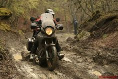Honda Transalp xl700v test by motociclismo