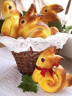 Easter bunny bread rolls the sweet glazed topping and touch of sprinkles will make this delicious easter bread a huge hit with your gathering a perfect easter side dish recipe Easter Bread Recipe, Easter Recipes, Holiday Recipes, Easter Desserts, Easter Dinner, Easter Brunch, Easter Party, Easter Table, Bunny Rolls
