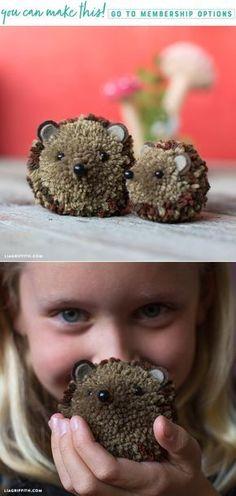 Hedgehog Pom Pom Pals (Video) - Lia Griffith - www Crafts For Teens To Make, Crafts To Do, Yarn Crafts, Diy For Kids, Kids Crafts, Preschool Crafts, Yarn Animals, Pom Pom Animals, Hedgehog Craft