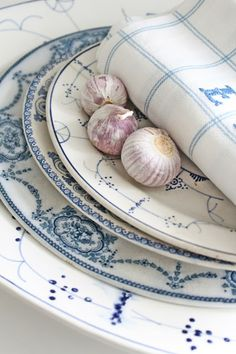 Mixed blue and white transfer ware