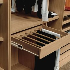 Hacer muebles a medida, closet-vestidor de 3 60 mts x 2 30, 3 módulos, uno para colgar - Naucalpan de Juárez (Estado de México) | Habitissimo