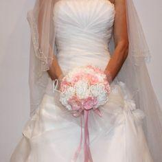 ramo-novia-vintage1 One Shoulder Wedding Dress, Wedding Dresses, Fashion, Pink, Wedding Bouquets, Boyfriends, Bride Dresses, Moda, Bridal Gowns