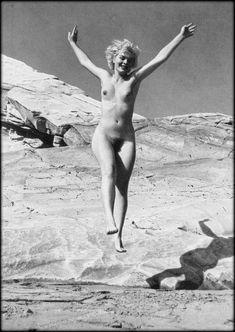 Marilyn Monroe look alike Nude - Ande De Dienes - 1953