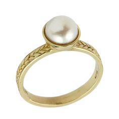 Elegant Vintage Style Pearl Engagament Ring in Polished 14k Yellow Gold.