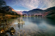 Buttermere is a lake in Cumbria considered as one of the most picturesque lakes in England. Lake Pictures, Scenery Pictures, Cool Places To Visit, Places To Travel, Places To Go, Lake District, Hiking Spots, Country Scenes, Seen