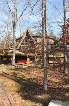 Escape the everyday with more than 150 feet of lake shoreline in this 3-bed, 2-bath chalet. 2627 Grendel Dr. http://www.innsbrook-properties.com/property/mo/innsbrook/63390/innsbrook/2627-grendel-drive/547d5b2b03781574ea0000f2/