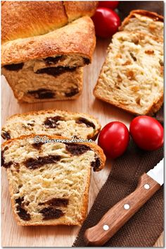 recipe in Romanian Romanian Desserts, Romanian Food, Romanian Recipes, World Recipes, Baking Tips, Holiday Desserts, Sweet Bread, Cupcake Cakes, Sweet Tooth