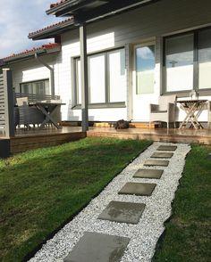 My backyard needs desperately some summerflowers!☀️ #myhome #koti #home #hem #takapiha #backyard #garden #flowerneeded #kukkia #finland #kekkilä #pihahommia #kesäkukkia #summer #decoration #gardening