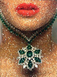 emerald and diamond necklace - Guy Bourdin for Vogue Paris, December Guy Bourdin, Bling Bling, Jewelry Box, Vintage Jewelry, Jewellery, Fall Jewelry, Summer Jewelry, Foto Art, Best Diamond