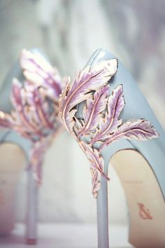 23 Stunning Wedding Shoes to Complete Your Fairy Tale Prince.- 23 Stunning Wedding Shoes to Complete Your Fairy Tale Princess Look! – Praise Wedding 23 Stunning Wedding Shoes to Complete Your Fairy Tale Princess Look! Fancy Shoes, Pretty Shoes, Crazy Shoes, Beautiful Shoes, Cute Shoes, Me Too Shoes, Gorgeous Heels, Lila High Heels, Miu Miu Tasche