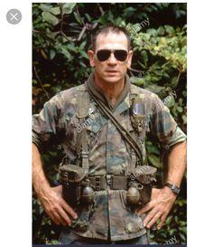 Tommy Lee Jones, Hollywood Actor, Vietnam War, Actors & Actresses, Movie Tv, Cinema, Handsome, Military, Personality