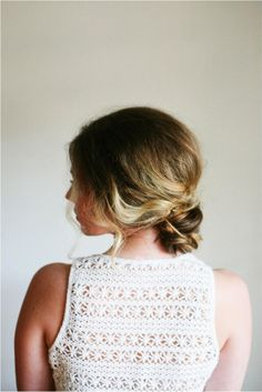 DIY Hairstyle: Easy knotted up-do