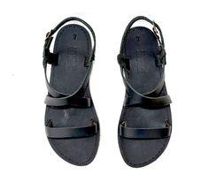 Sandalen - ANANIAS griechische Riemchen Leder Sandalen - ein Designerstück von AnaniasSandalen bei DaWanda