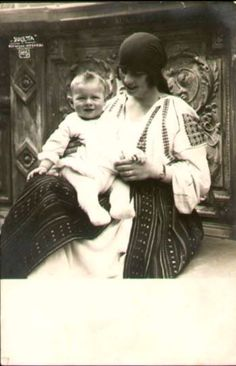 Queen Elena of Romania / Helen of Greece-Romania Parma, Michael I Of Romania, History Of Romania, Romanian Royal Family, Greek Royalty, Old Time Photos, Grand Duchess Olga, Central And Eastern Europe, Historical Women