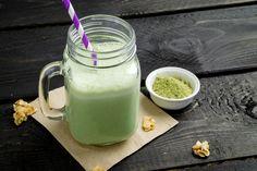 Ranking the best green superfood drinks of 2020 Veggie Smoothies, Tea Smoothies, Breakfast Smoothie Recipes, Weight Loss Smoothie Recipes, Snack Recipes, Tempeh, Matcha Green Tea Smoothie, Green Superfood, Smoothie Ingredients