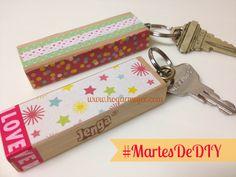 #MartesDeDIY: Llaveros de madera/Key chain