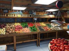 Vegetable Shop, Vegetable Stand, Vegetable Crates, Farmers Market Display, Produce Market, Market Displays, Produce Displays, Produce Stand, Food Displays