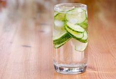 5 ways to boost a slow metabolism - page 2 - Fresh Juice Healthy Drinks, Healthy Recipes, Healthy Food, Detox, Alternative Health Care, Cucumber Water, Slow Metabolism, Bone Density, Get In Shape