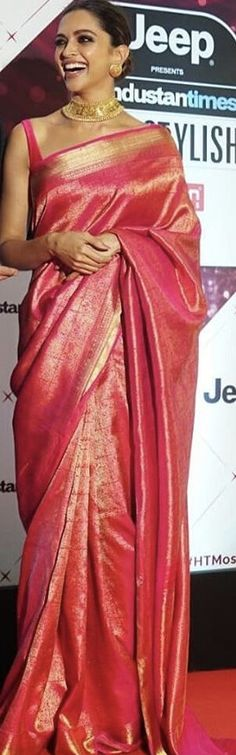 Deepika in saree.... so gorgeous