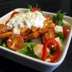 Broilerisalaatti - Kotikokki.net - reseptit Food N, Chicken, Baking, Red Peppers, Bread Making, Patisserie, Backen, Sweets, Buffalo Chicken