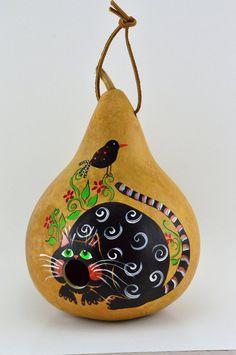 Birdhouse with Silly Cat Mouth Open Gourd Art for Garden - Mund Zeichnen Decorative Gourds, Hand Painted Gourds, Bird Houses Painted, Bird Houses Diy, Painted Birdhouses, Doll Houses, Cat Lover Gifts, Cat Gifts, Gourds Birdhouse