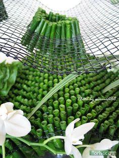 460 x 614 ( Deco Floral, Arte Floral, Floral Design, Ikebana Arrangements, Flower Arrangements Simple, Flower Show, Flower Art, Sogetsu Ikebana, Japanese Flowers