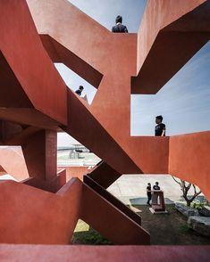 Labirinto de concreto integra parque na Tailândia