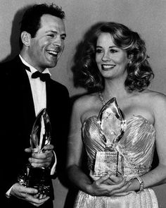 """Cybill Shepherd and Bruce Willis, co-stars of the television show """"Moonlighting,"""" at the People's Choice Awards 1986"""