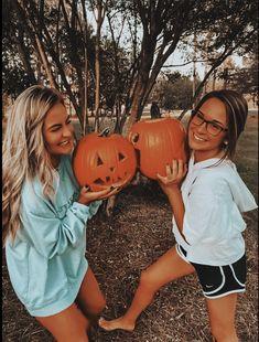Fall Friends, Cute Friends, Cute Friend Pictures, Best Friend Pictures, Friend Pics, Fall Pictures, Fall Photos, Fall Pics, Oki Doki