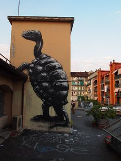LARGE TURTLE, By: Roa