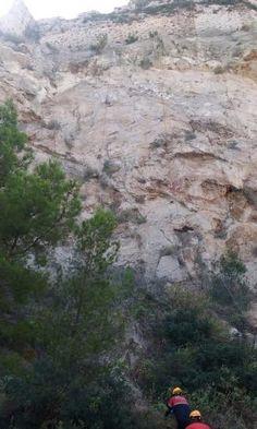 Una mujer y su bebé se precipitan desde una altura de 50 metros en el Castillo de Dénia | levante-emv.com