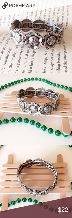 Vintage Tibetan Silver Stretch Bracelet Vintage Tibetan Silver Stretch Bracelet. Jewelry Bracelets