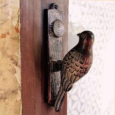 This little bird door knocker is just so perfect! I love how the knocking plate (don't know what else to call it) is designed to look like a tree trunk!
