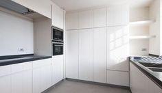 Keukeninrichting appartement Knokke Heist,  Interieurarchitect  Dirk Lievens #kitchen