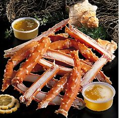Alaskan King Crab Legs are the perfect gift for a father who love seafood. Seafood Dinner, Fish And Seafood, Seafood Boil, Dinner Menu, Alaskan King Crab, King Crab Legs, Crab Recipes, Birthday Dinners, Food Drawing