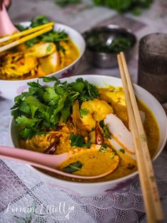 Curry Laksa Recipe Authentic @ Not Quite Nigella Cooking Chinese Food, Asian Cooking, Korean Food, Vegetable Curry, Vegetable Recipes, Thai Curry Recipe Authentic, Laksa Paste Recipe, Laksa Soup Recipes, Malaysian Food