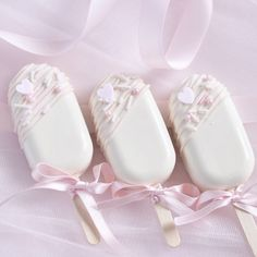 8 Sweet Ideas For Your Valentine's Day Baking - Love Catherine day wallpaper girly Chocolate Covered Treats, Chocolate Covered Strawberries, Strawberries And Cream, Melting Chocolate, White Chocolate, Chocolate Art, Paletas Chocolate, Chocolate Lollipops, Chocolate Truffles