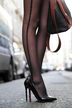I'm bringing sexy legs.. yeah! - super sexy CHICMUSE.COM: L'inspecteur