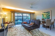 Downtown Kona Plaza Gem - vacation rental in Captain Cook, Hawaii. View more: #CaptainCookHawaiiVacationRentals