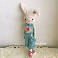 For charlotte--Bunny crochet - Without pattern Bunny Crochet, Crochet Fairy, Easter Crochet, Love Crochet, Crochet Animals, Diy Crochet, Crochet Crafts, Crochet Projects, Crochet Stitches Patterns